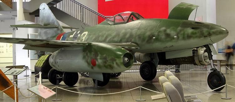 Imagen:Messerschmitt Me 262.jpg