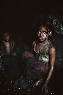Los niños del polvo negro