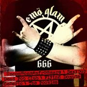 Publicidad que intenta hacer pasar a los emo como metaleros, ha sido abundantemente criticada por fans del verdadero heavy metal.