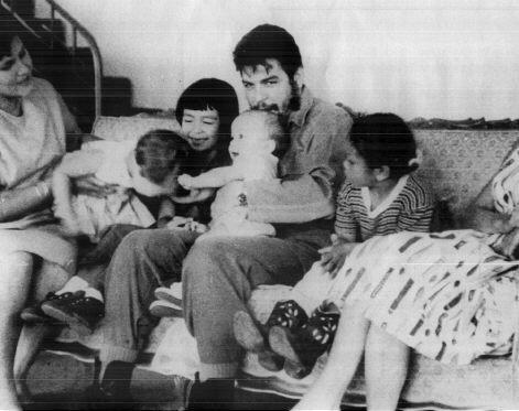 Imagen:Che Guevara - Familia.jpg