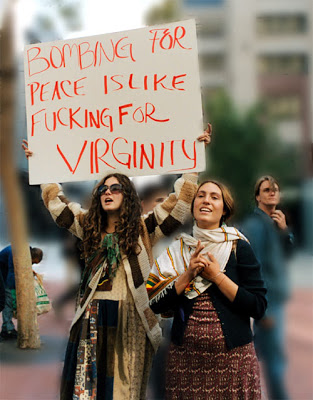 Bombardear en nombre de la paz es como follar en nombre de la virginidad